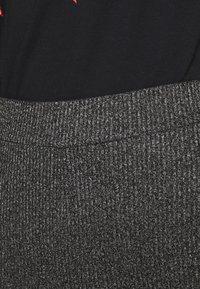 Vero Moda - VMKAMMA FLARED ABBY PANT - Trousers - dark grey melange - 3