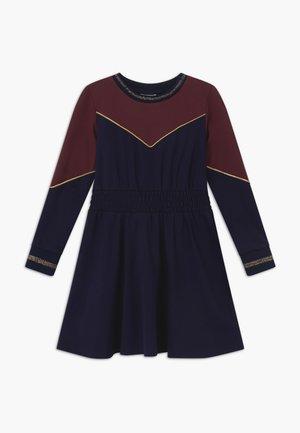 ROSA - Jerseykjoler - navy blazer