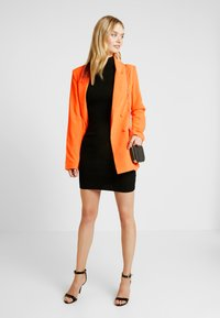 Missguided Tall - BUTTON DETAIL DOUBLE BREASTED - Sportovní sako - orange - 1