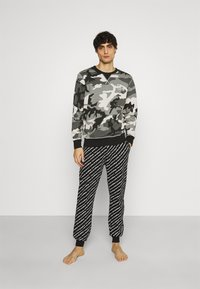 Diesel - UMLT-WILLY SWEAT-SHIRT - Pyjama top - camouflage grey - 1