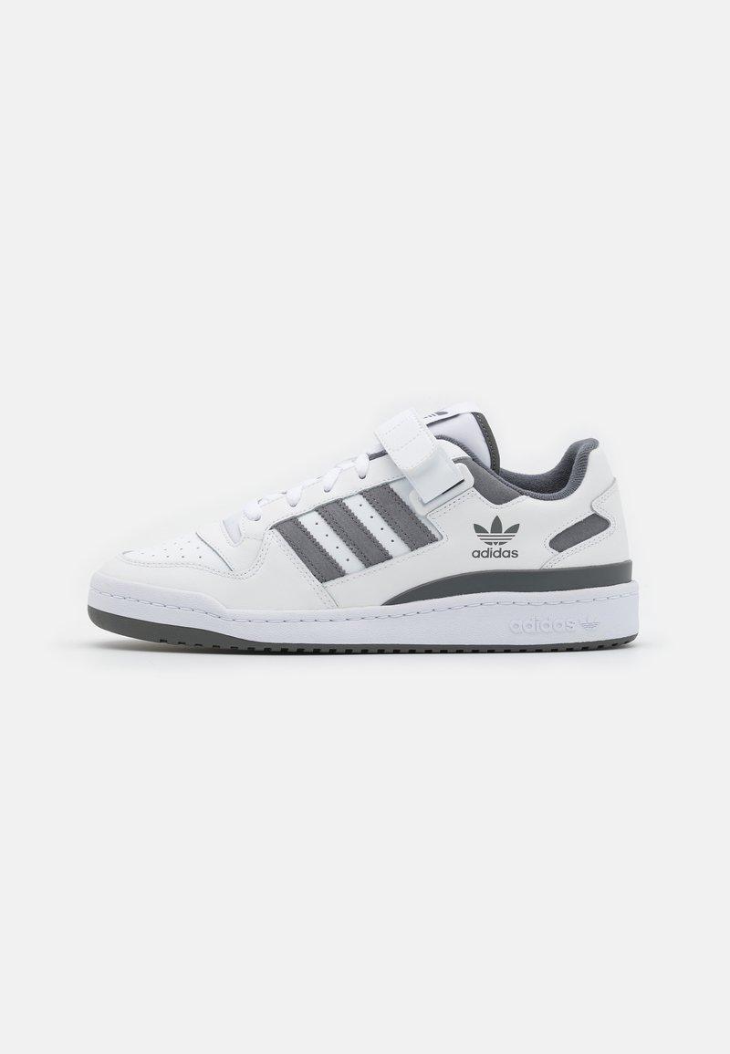 adidas Originals - FORUM UNISEX - Sneakersy niskie - footwear white/grey four