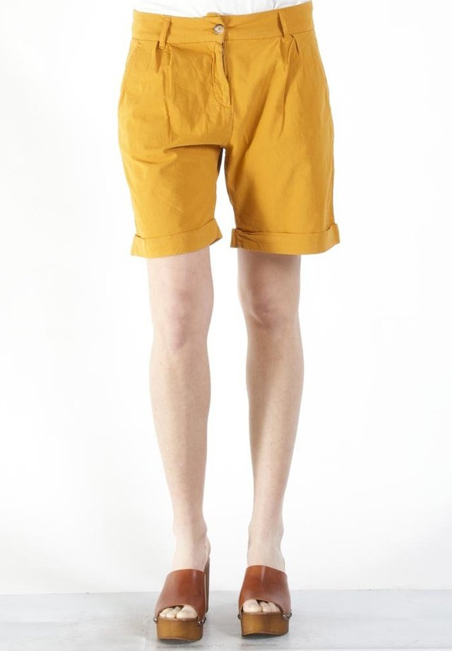 Shorts - ocra