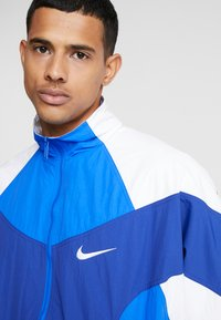 Nike Sportswear - ISSUE  - Training jacket - hyper royal/white/deep royal blue - 3