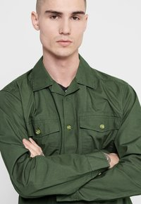 Only & Sons - ONLY & SONS HEMD LEICHTES OVER - Summer jacket - olive night - 3