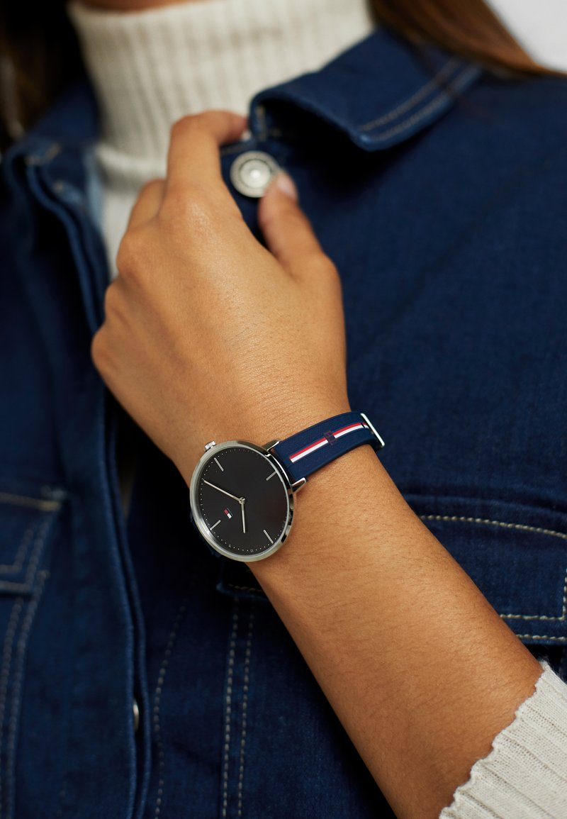 Tommy Hilfiger - CASUAL - Watch - blau