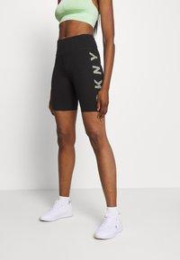 DKNY - STRIPED LOGO HIGH WAIST BIKE SHORT - Leggings - black/pistachio - 0