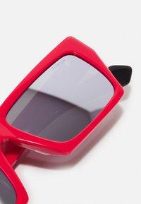 MSGM - POLAROID UNISEX - Occhiali da sole - red - 2