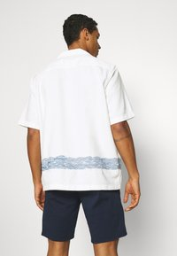 Levi's® Made & Crafted - RELAXED CAMP - Overhemd - white - 2