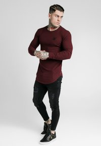 SIKSILK - LONG SLEEVE BRUSHED GYM TEE - T-shirt à manches longues - burgundy - 1