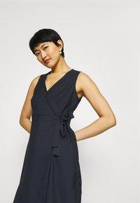 NAF NAF - LAKAWAI - Shift dress - bleu marine - 3