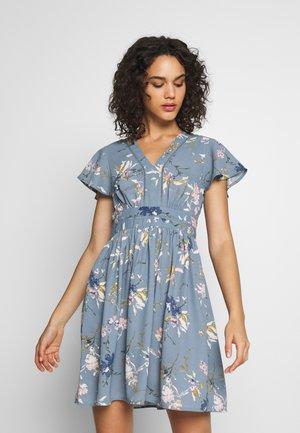 VMABBIE SHORT DRESS - Day dress - bluestone/abbie