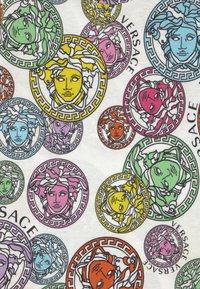 Versace - MEDUSA STAMP ALL OVER UNISEX - Print T-shirt - white/multicolor - 2