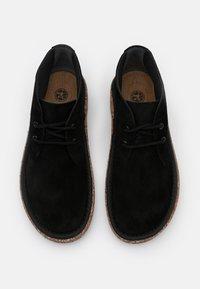 Birkenstock - MILTON NARROW FIT - Sznurowane obuwie sportowe - black - 3