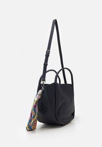 Desigual - BOLS ALESSIA ROTTUM SET - Handbag - azul - 1