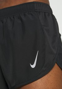 Nike Performance - TEMPO RACE SHORT - Short de sport - black - 4