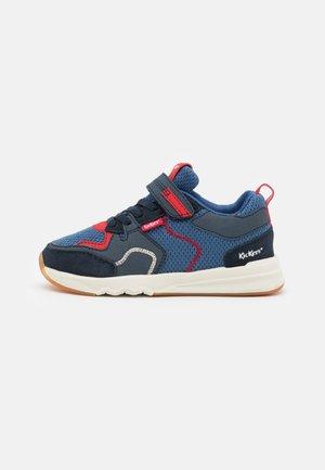 KNAKK - Sneakers laag - bleu/gris/rouge