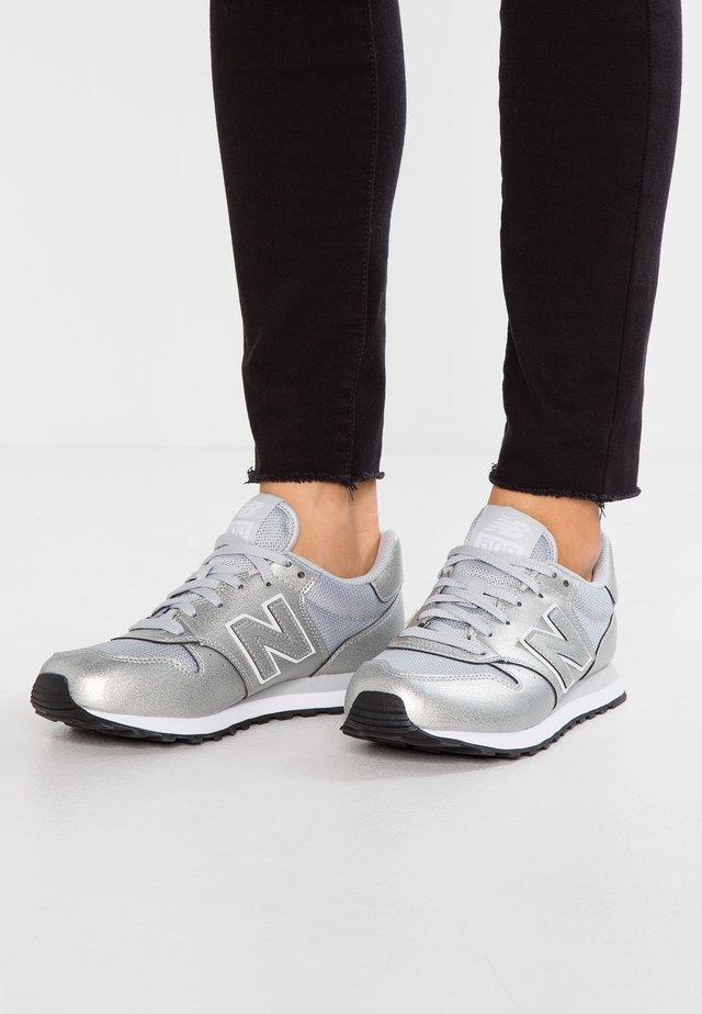 GW500 - Zapatillas - silver