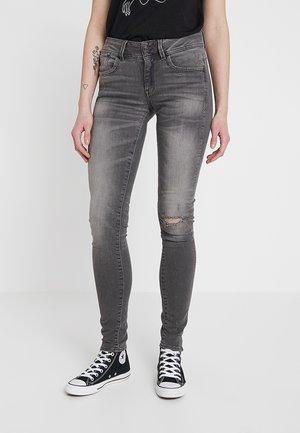 LYNN MID SKINNY - Jeans Skinny Fit - elto black