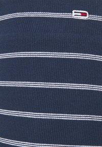 Tommy Jeans Curve - BODYCON STRIPES SKIRT - Pencil skirt - twilight navy/multi - 4