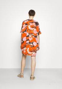 Monki - Day dress - artyred print - 2