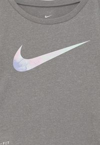 Nike Sportswear - SKY DYE TEMPO SET - Print T-shirt - arctic punch - 3