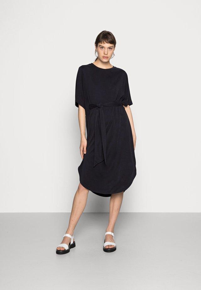 HESTER DRESS - Žerzejové šaty - black