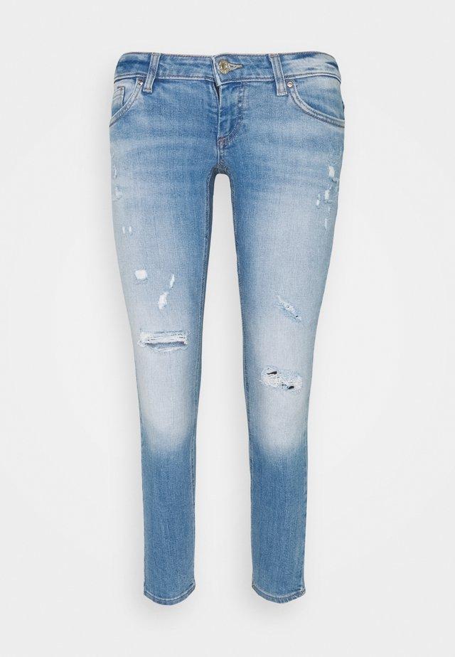 ONLCORAL SKINNY DEST - Jeans Skinny - medium blue denim