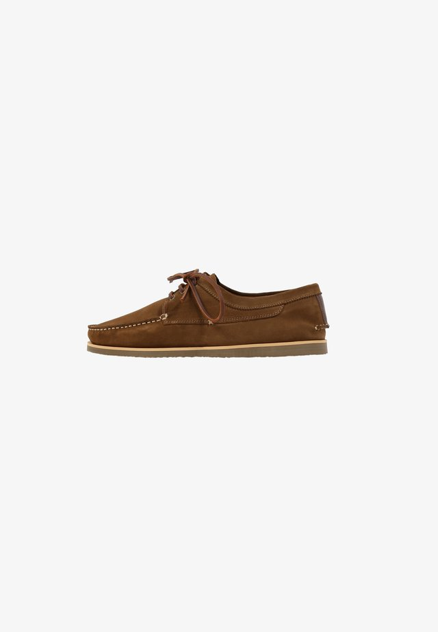 PEAKY  - Sportieve veterschoenen - brown