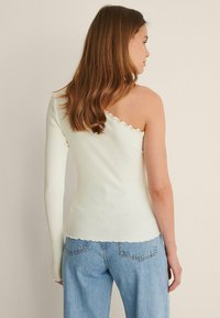 NA-KD - Long sleeved top - offwhite - 2