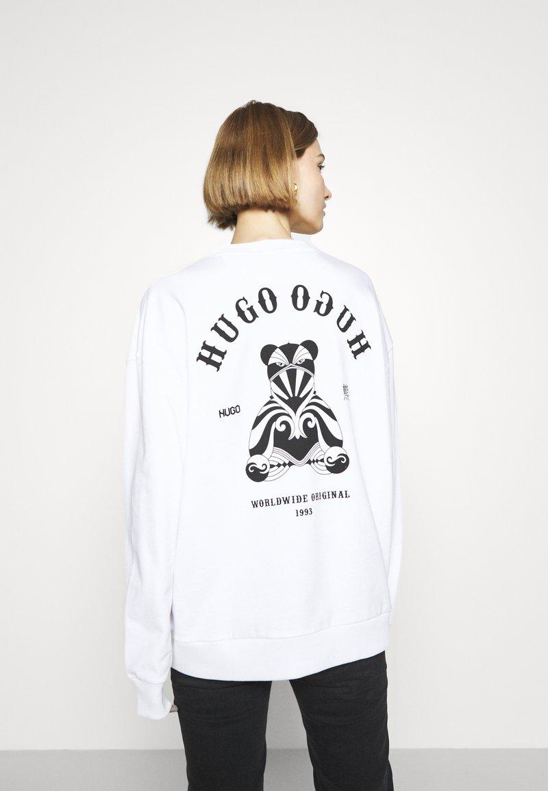 HUGO - DASHIMARA - Sweatshirt - white