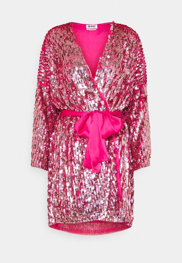 XENIA WRAP DRESS - Cocktailjurk - rose
