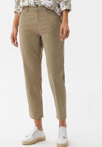 BRAX - STYLE MARY S - Slim fit jeans - khaki - 0
