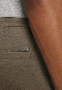 Solid - BARRO BASIC - Shorts - sand melange - 4
