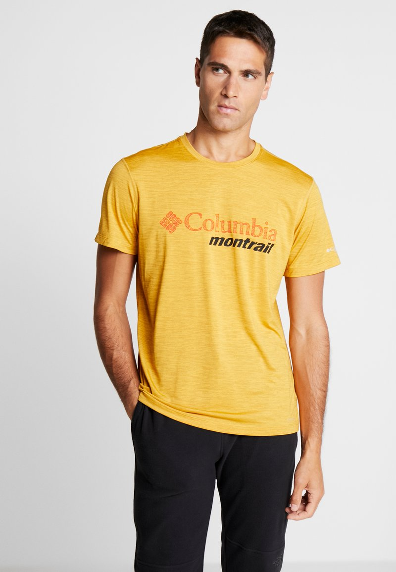 Columbia - TRINITY TRAIL™ GRAPHIC TEE - Print T-shirt - bright gold