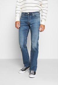 Diesel - LARKEE-X - Straight leg jeans - indigo - 0