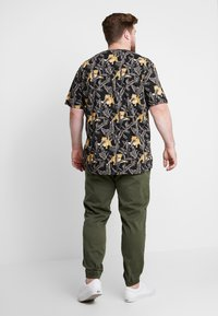 Blend - Trousers - olive night green - 2