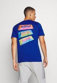 adidas Performance - SNACK PHOTO TEE - Camiseta estampada - royal blue - 2