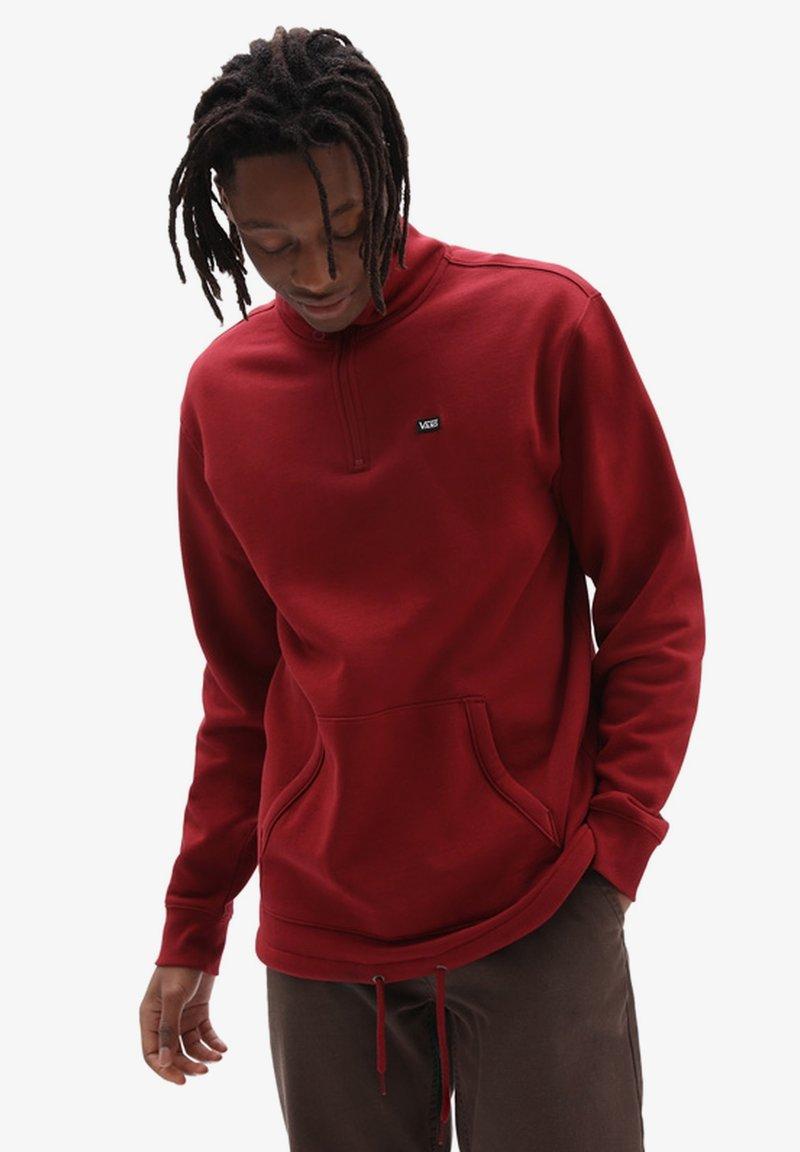 Vans - MN VERSA STANDARD Q-ZIP - Sweatshirt - pomegranate