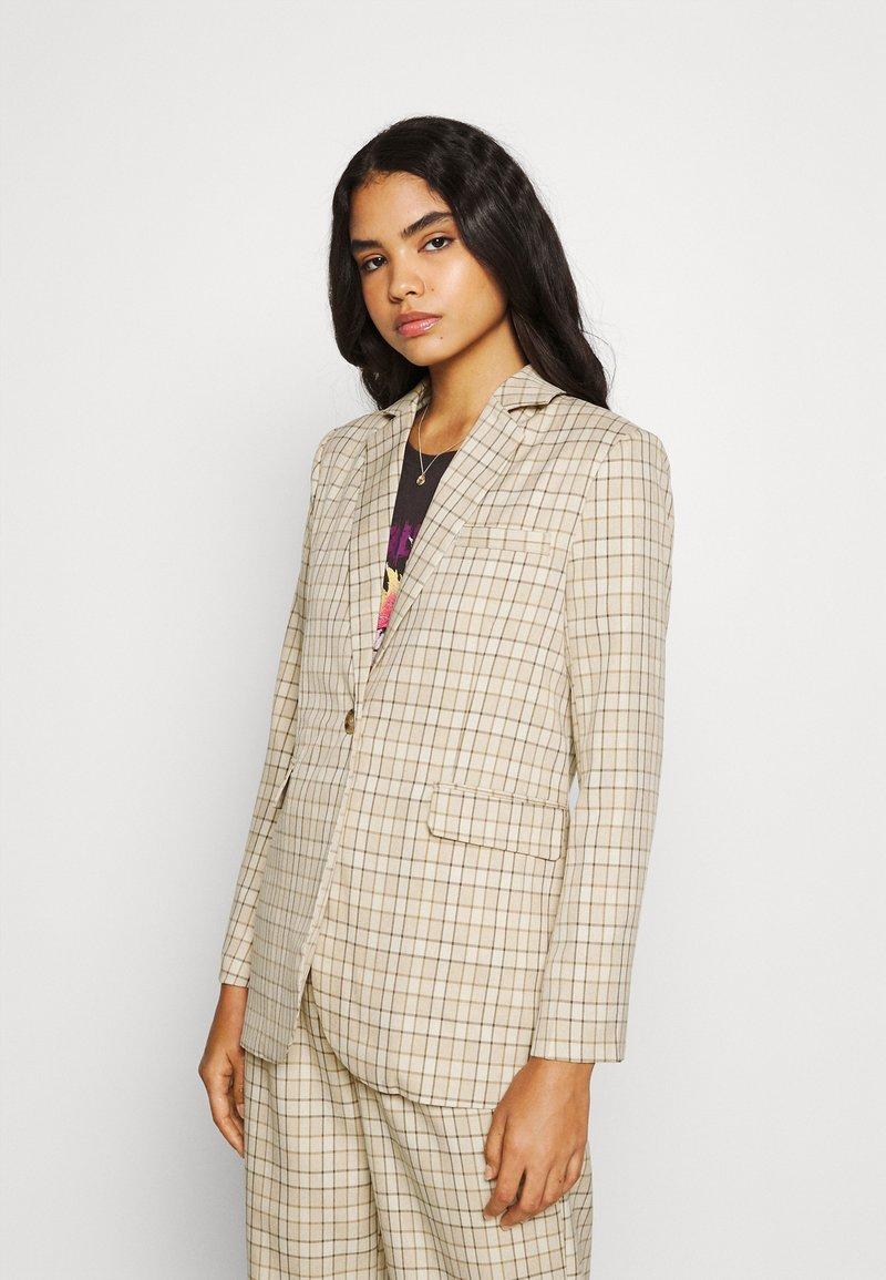 Fashion Union - Krátký kabát - beige