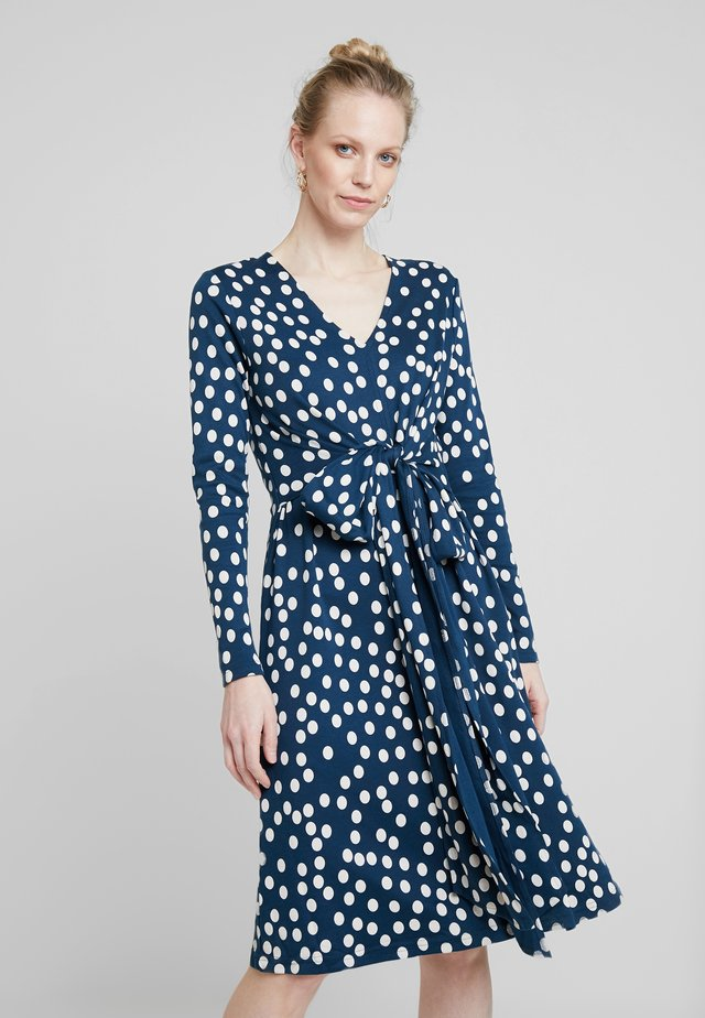 VALBORG DRESS - Robe en jersey - deep ocean/chalk