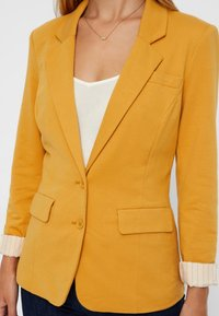 Vero Moda - Blazer - amber gold - 4