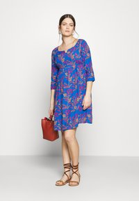 Slacks & Co. - AVERY - Day dress - floral leaf blue - 1