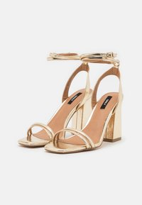 ONLY SHOES - ONLALYX RING  - Sandalias - gold - 2