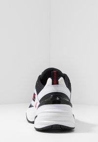 Nike Sportswear - M2K TEKNO - Baskets basses - white/black/university red - 3