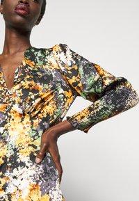 Never Fully Dressed Tall - BLOOM PRINT LINDOS DRESS - Robe d'été - navy/multi - 5