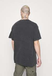 Topman - LISBON HERTIAGE PRINT TEE - T-shirt med print - black - 2