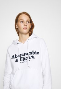 Abercrombie & Fitch - HERITAGE LOGO POPOVER - Hoodie - white - 4