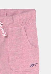 Reebok - Teplákové kalhoty - light pink - 2