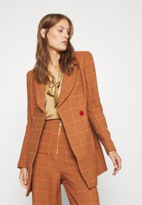 Alice McCall - DO RIGHT - Short coat - tobacco - 3
