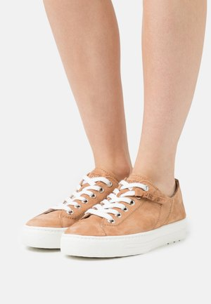 Sneakers laag - natural